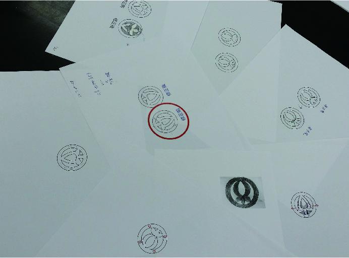 オリジナルボタン 飾りボタン 製作 アクリル つや消し 制服ボタン 岩福セラミックス 制作途中 デザイン画
